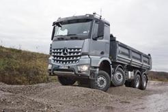 Mercedes Benz lanza el Arocs, su nuevo camión de obras