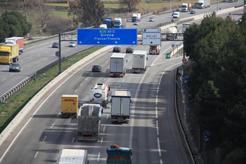 Posible prohibición de circulación de camiones en la N-II en Girona