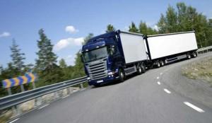 Las asociaciones de transportistas rechazan la modificación de los pesos y dimensiones propuesta por Tráfico