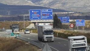 La Comisión Europea reconoce que hay ambigüedad en el texto que redacta cómo temar las pausas en marcha con dos conductores pero pide sensatez a Francia.