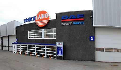 Truckland inaugura su tercer centro en espa a fenadismer for Servicio oficial bosch madrid