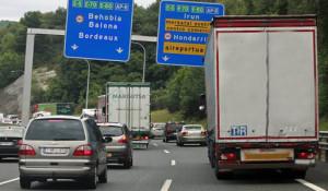 Francia está sancionando con hasta 6000 euros por no realizar las pausas a camión parado cuando van dos conductores en el camión