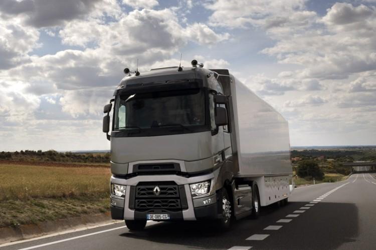 """Renault Trucks ha lanzado una promoción de unidades de la gama T con la etiqueta """"selection"""", revisadas y con garantía de calidad."""