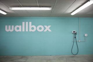 Sistema de carga para vehículos eléctricos de Wallbox.