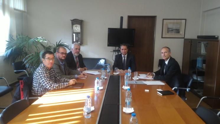 Juan José Gil, secretario de Fenadismer, reunido con el Presidente del Instituto de Movilidade e dos Transportes portugués, que está valorando la implantación del requisito mínimo de flota para acceder al sector del transporte en Portugal.