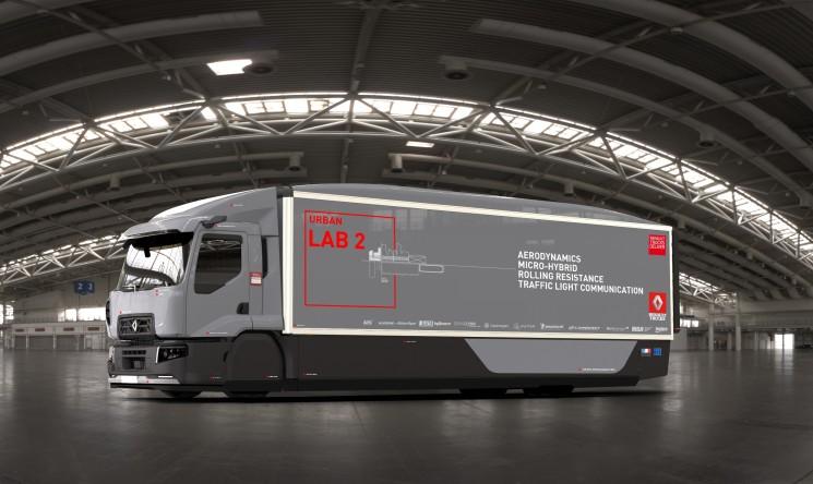 El Urban Lab 2 de renault trucks reduce un 13% el consumo de combustible gracias a sus desarrollos innovadores en aerodinámica, cadena cinemática, conectividad y neumáticos.