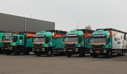 El equipo Petronas De Rooy Iveco rumbo al Dakar 2017