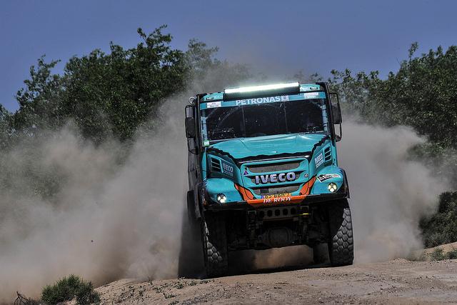 Dos Ivecos del equipo Petronas de Rooy entre los cinco primeros en la clasificación general del Dakar 2017 después de celebrarse la séptima etapa.