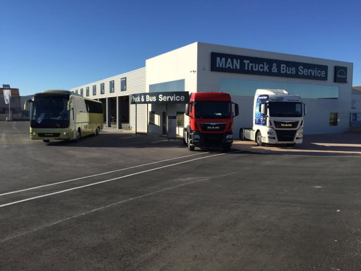 MAN inaugura un nuevo Truck&Bus Service en Almeria