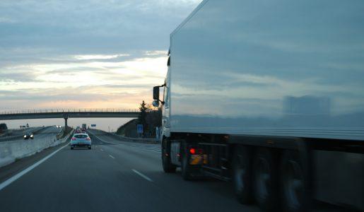 El nuevo ROTT mantiene los tres camiones y 60 toneladas para acceder al transporte