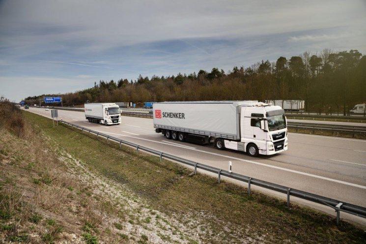 MAN inicia pruebas de platooning en colaboración con el operador logístico DB Schenker en autopistas públicas alemanas