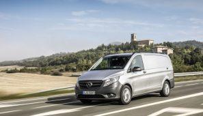 La fábrica de Mercedes-benz de Vitoria aumenta la contratación indefinida en 1350 trabajadores.
