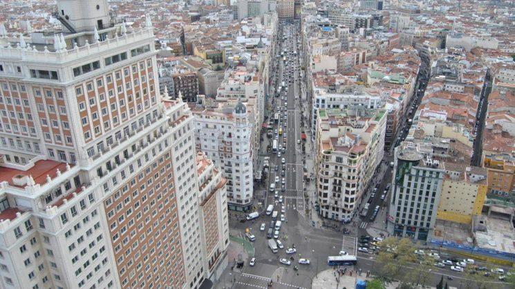 Restricciones en la Gran Vía de Madrid en Navidad para los vehículos de más de 3,5 Tn.