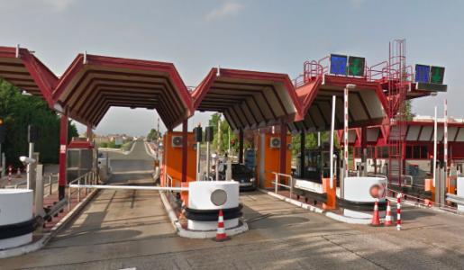 Los transportistas solicitan la suspensión del peaje obligatorio en la Ap68