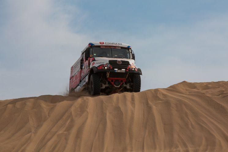 El camión de Ales Joprais, del equipo checo Instaforex Loprais team, tercero en la claisficación del Dakar 2018 a seis minutos de Nikolaev.