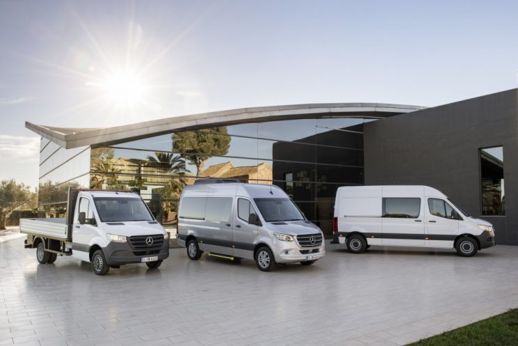 La nueva Sprinter estará disponible desde junio de 2018 con una nueva variante de tracción delantera.