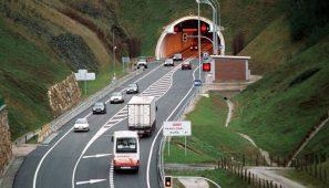 Posible desvío de camiones de la N121 a la A15 a la vez que Guipúzoca prevé cerrar la A15 al tráfico de camiones.