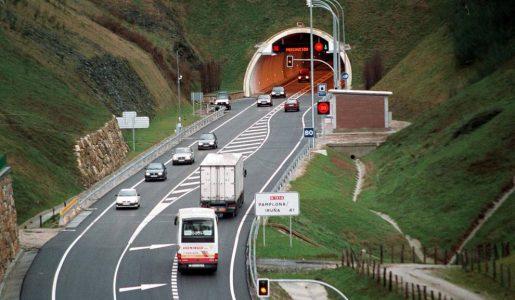 Navarra prevé desviar camiones a la A15 y Guipúzcoa va a cerrar la A15 al tráfico de camiones