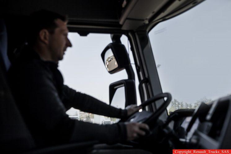 Se actualizan las edades para la obtención de los carnés de conducir profesionales.