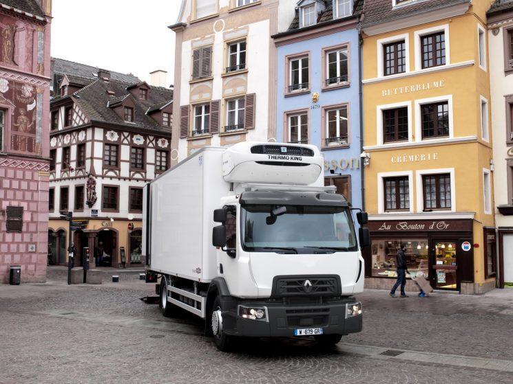 Campaña de Renault para la compra de tractoras usadas de la Gama T por 599 euros al mes.