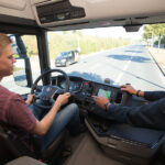 Rebajada la edad para obtener el carne de camion, novedades en perdidas de puntos y en movilidad urbana