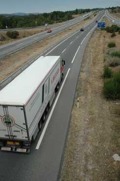 La subida del IVA al 21% afectará de modo grave al transporte de mercancías