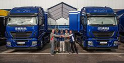 Nuevos Stralis Hi-Way para el equipo Yamaha Factory Racing y Dorna Sports