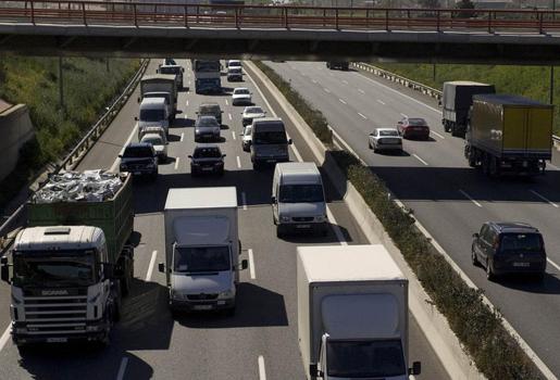 Sobre la antigüedad de los vehículos en el nuevo régimen de autorizaciones - tarjetas de transporte, nuevo regimen de autorizaciones, antigüedad vehiculos