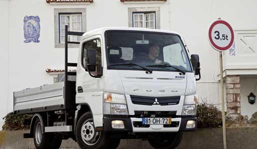 Mercedes Benz distribuye los camiones Fuso en España