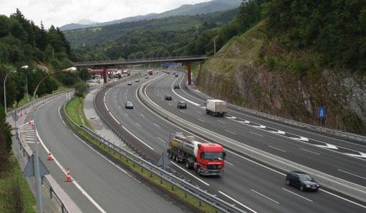 Navarra restringe la circulación de camiones en la N121 del 4 de junio al 15 de julio por las obras de los túneles de Belate y Almandoz