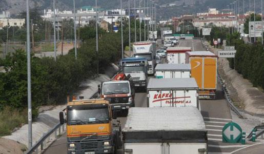 Aumentan las presiones para prohibir el paso de camiones por la N340