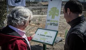 """Ángel Nieto apadrinó la celebración del tercer aniversario de la iniciativa de Scania """"Un Scania, un árbol"""""""