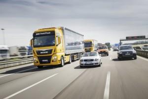 MAN trabaja en el desarrollo del platooning o interconectividad entre camiones para reducir el consumo de combustible y aumentar la seguridad del tráfico.