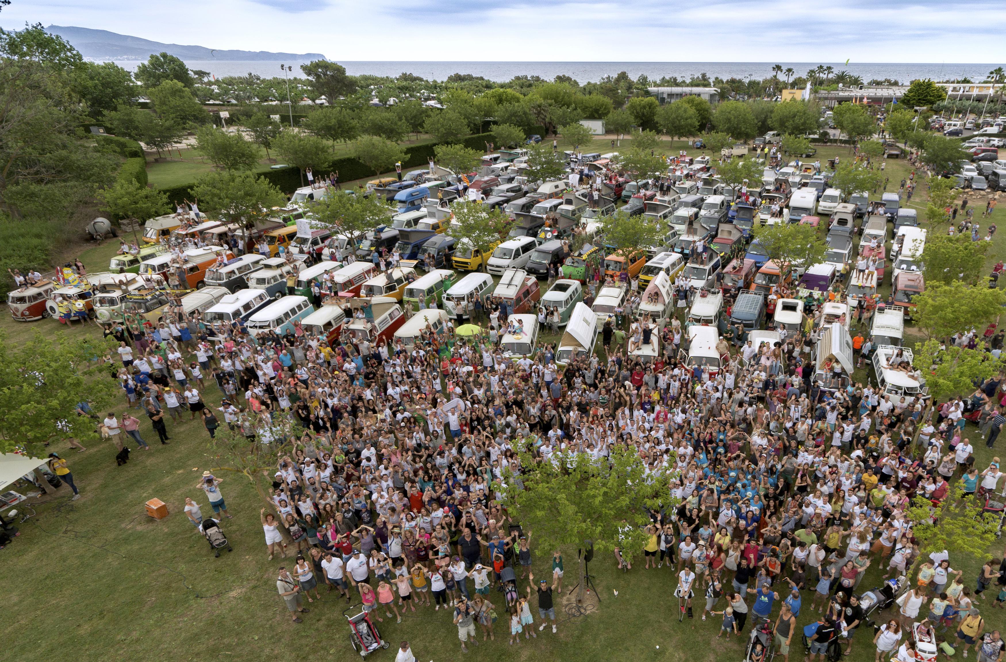 Se acaba de celebrar la décimotercera edición de la FurgoVolkswagen con récords de asistencia de furgonetas y público