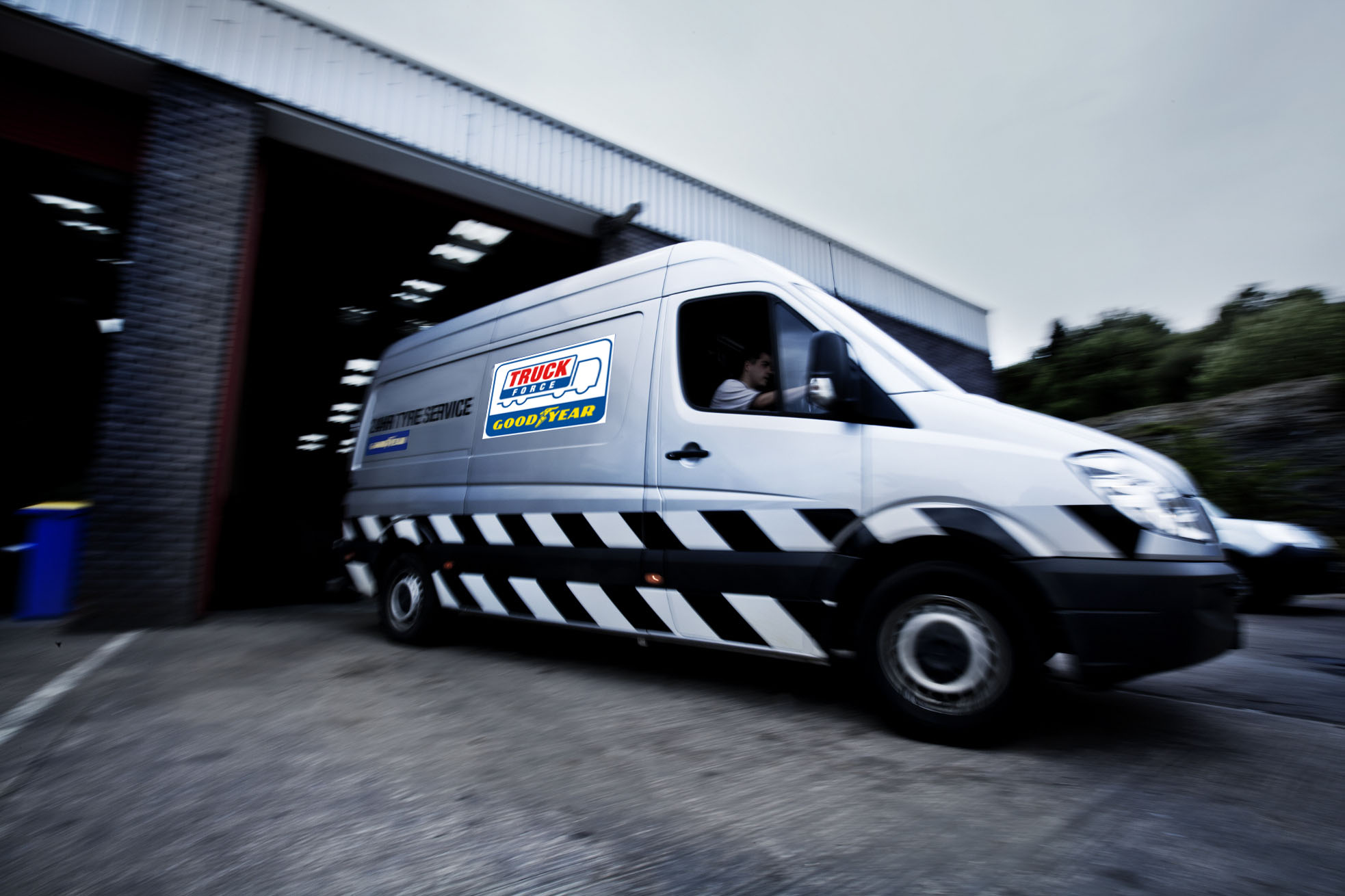ServiceLine 24 horas de Goodyear reduce el tiempo de inactividad del camión a 2 horas de media.