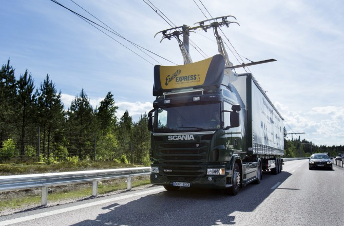 Suecia acaba de inaugurar el primer tramo de carretera eléctrica del mundo
