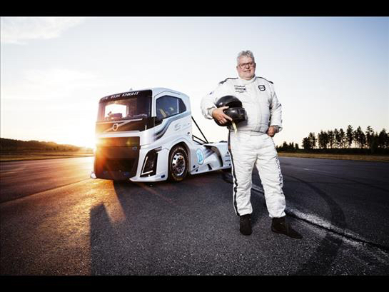 El Iron Knight de Volvo es el camión más rápido del mundo.