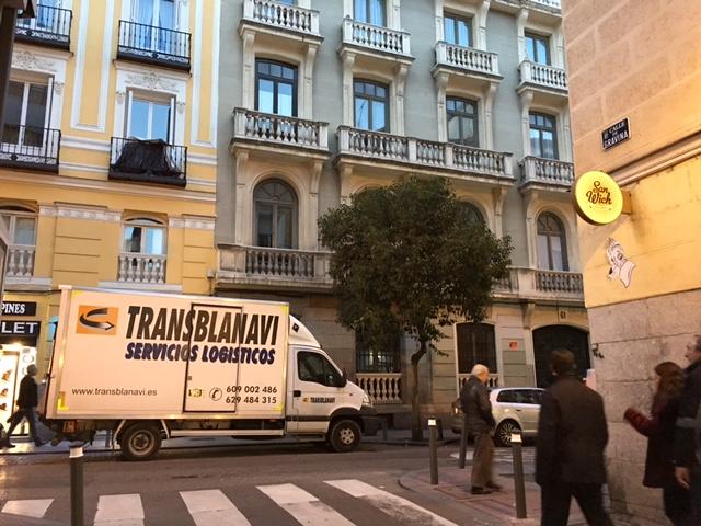 La justicia ha tumbado definitivamente las restricciones a los vehículos de reparto de mercancías en el centro de Madrid como consecuencia de las restricciones navideñas impuestas por el Ayuntamiento.