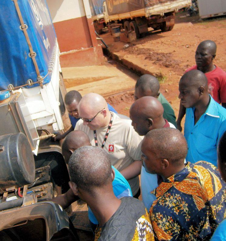 Renault Trucks colabora con el Banco Mundial de Alimentos para mantener los camiones en perfecto estado