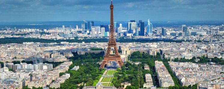 Paris exige una viñeta a todos los vehículos para circular por sus calles.