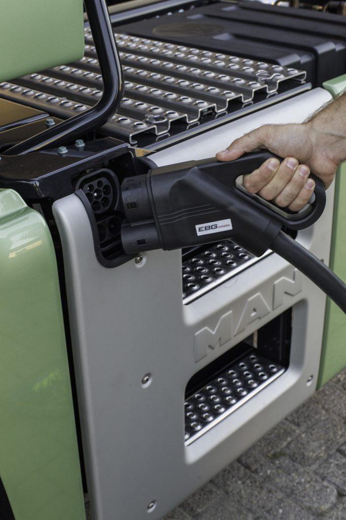 Los camiones eléctricos forman parte de la batería de medidas de Fomento para reducir un 32% las emisiones del transporte en 2030.