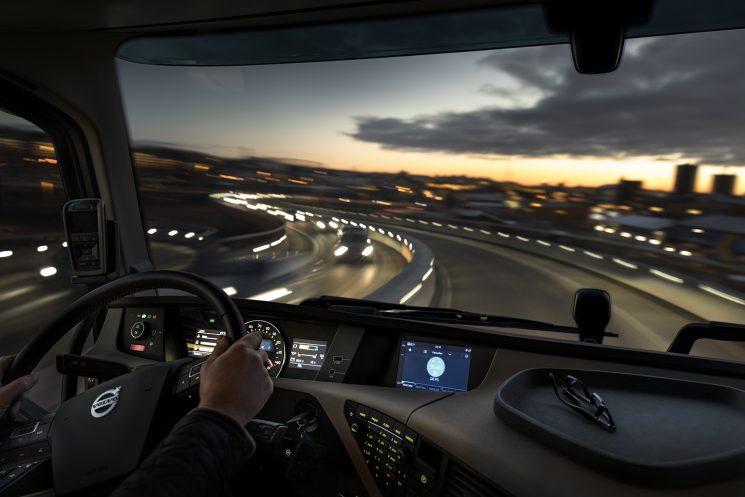 Volvo Trucks ha diseñado un nuevo sistema que integra las opciones de entretenimiento y servicios en un solo aparato.