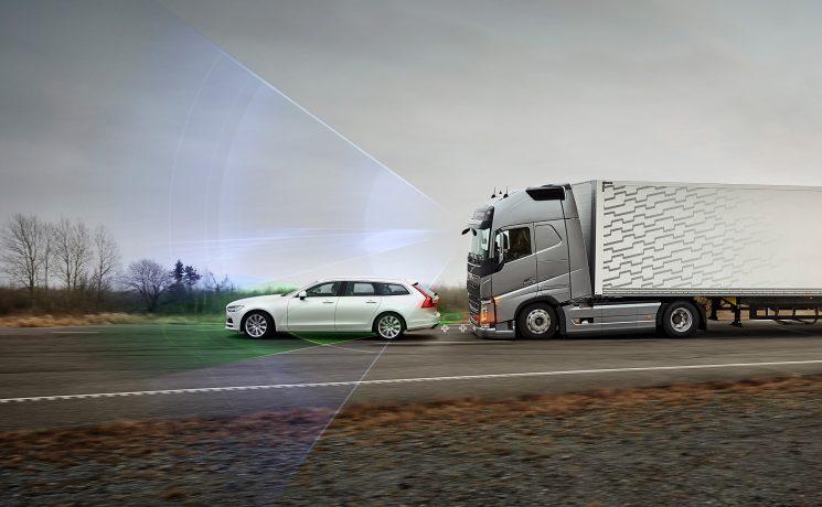 El principal riesgo para los camiones son los usuarios vulnerables de las carreteras, es decir, peatones, ciclistas y motoristas.