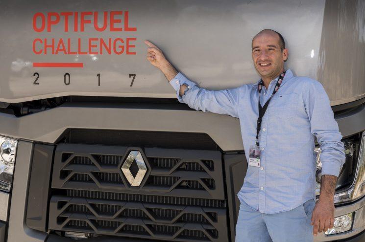 Rubén Abad ganador español del desafío Optifuel de Renault Trucks
