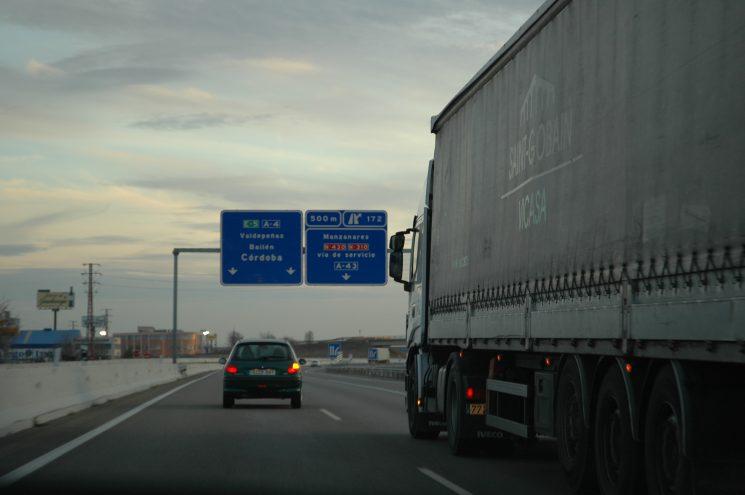 Suben un 5% las toneladas transportadas por los camiones españoles