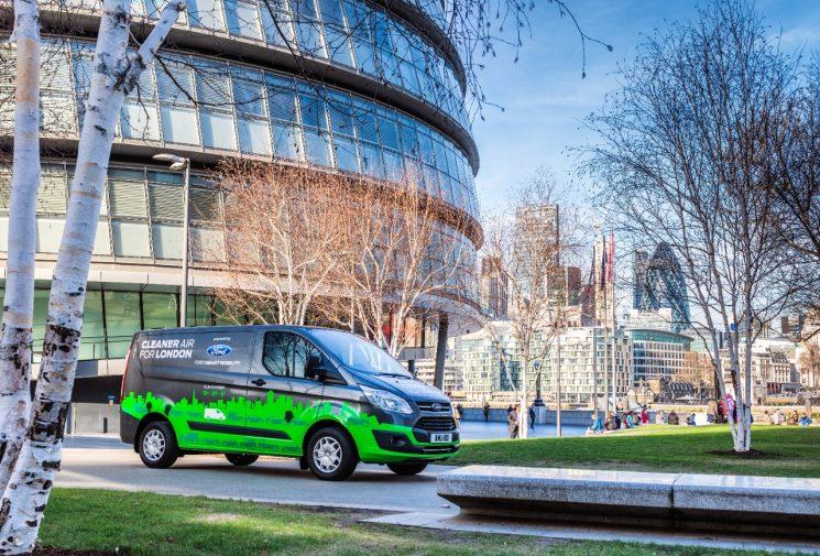 Ford empieza las pruebas en Londres con 20 Transit híbridas enchufables.