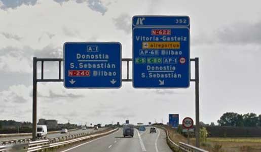 El Parlamento de Navarra aprueba una moción contra el peaje a camiones en la N1 en Guipúzcoa.