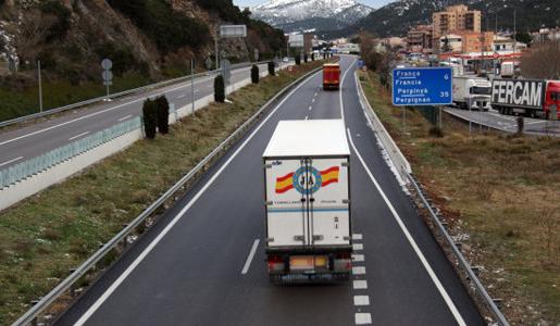 Francia podría estar pensando en un impuesto para camiones, nacionales y extranjeros para financiar infraestructuras