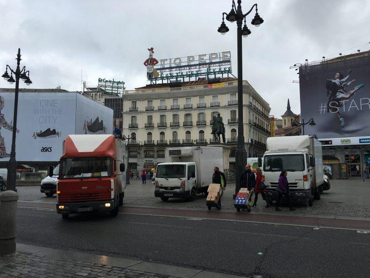 El proyecto de modificación de la Ordenanza de Movilidad de Madrid limita el reparto urbano de mercancías en el Área Central