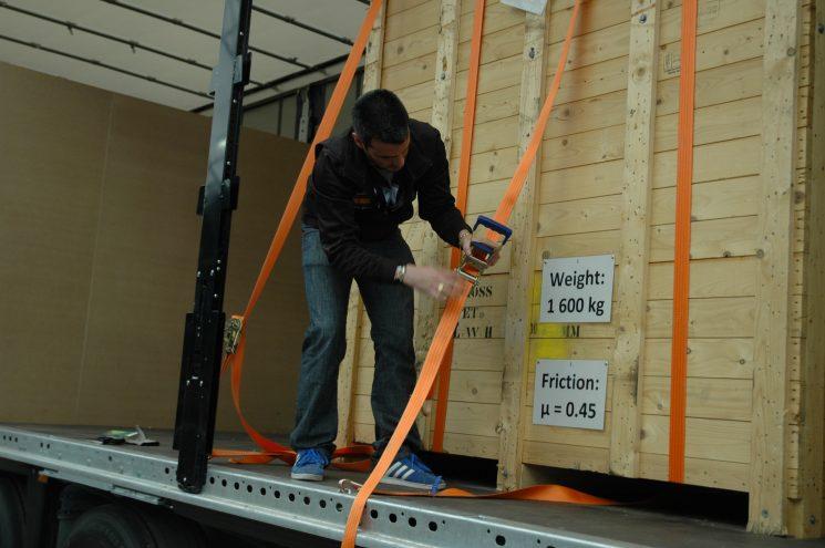 La DGT ha publicado la Instrucción que fija las responsabilidades sobre la estiba de la mercancía en el camión.